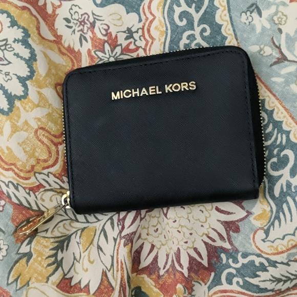 Michael Kors Handbags - Michael Kors saffiano leather wallet